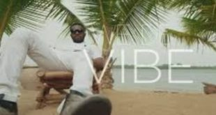 R2Bees – We De Vibe (Official Video)